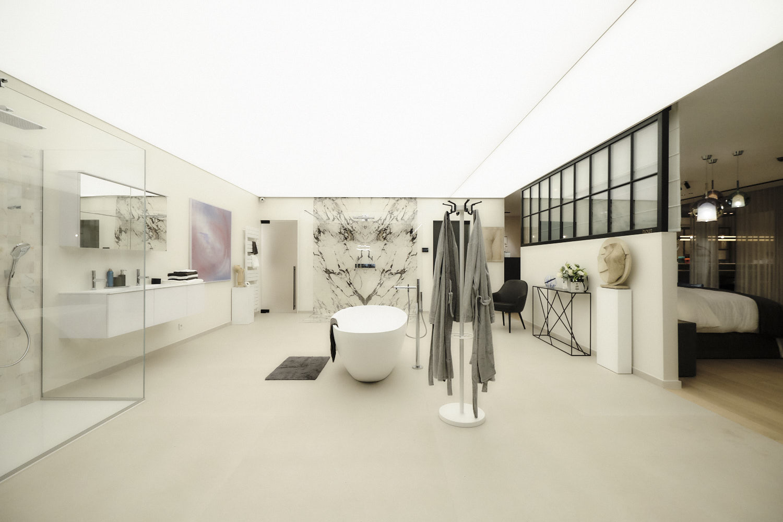 Showroom Xeiling